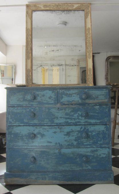 Double blue drawers